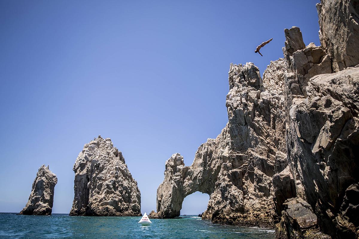 Red bull cliff diving world series morecast - Red bull high dive ...